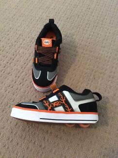Heelys Bolt X2 Skate Shoe for kids