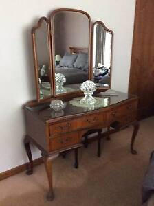 Queen Anne Dressing Table Chelsea Kingston Area Preview