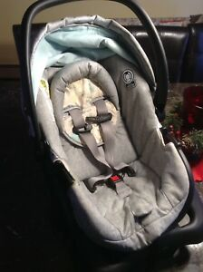 Infant Car Seat - Perfect for Winter