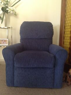Lounge / Arm Chairs