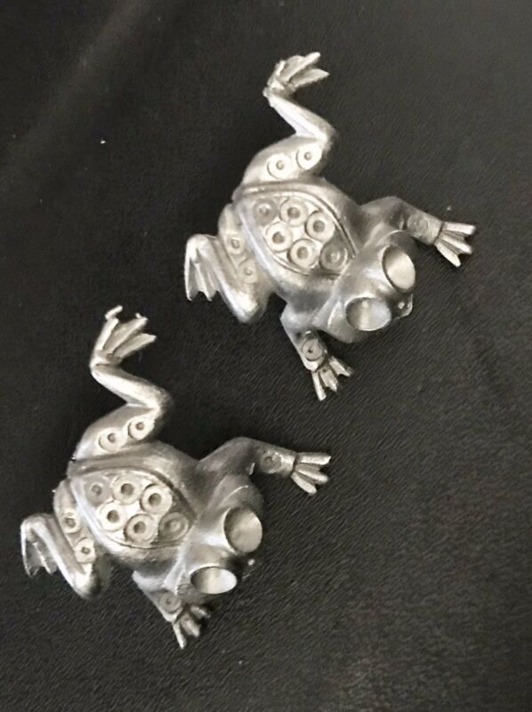 2 Small Solid Pewter FROG Frogs Noah's Ark Silver Metal Figurine Lapel Pins X