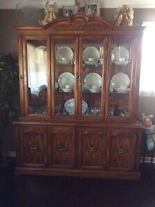 Oak Buffet &Hutch /Dining table & 6 chairs