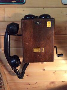 Vintage Telephones, Clocks & Radios