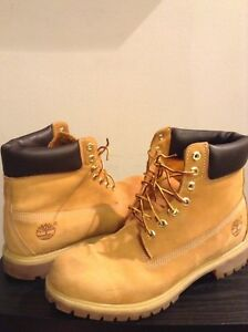 CHECK THIS DEAL!! Classic size 11 Men's Timberland boots