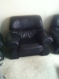 5 piece leather lounge set Middleton Grange Liverpool Area Preview