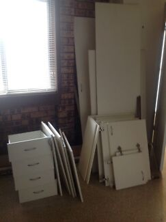 Kitchen Cupboard Doors and Drawers.   FREE