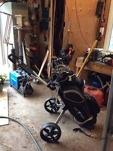 Right handed clubs, bag and cart