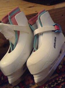 Girls size 11/12 Bauer skates