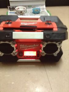 Milwaukee heavy duty radio With AUX . Missing lead Doonside Blacktown Area Preview