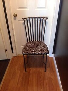 1 metal chair