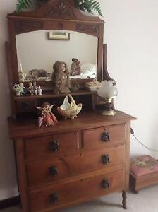 ANTIQUE DRESSING TABLE Swan View Swan Area Preview