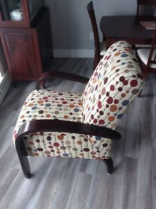 GREAT ARM CHAIR LIKE NEW