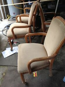 Set of 4 sturdy maple chairs