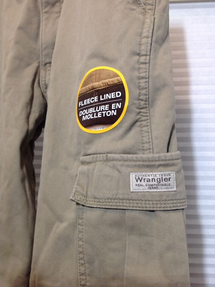 7773be5d Wrangler Men's Fleece Lined Cargo Pants - 30 x 30 | Men's ...