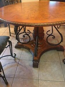 OAK TABLE. & 4 CHAIRS $400 or best offer