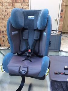 Booster child seat 3-8 years - Infasecure - Very good condition