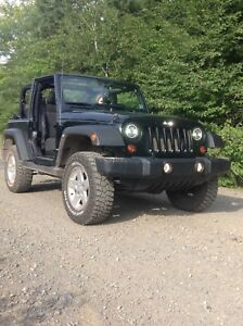 Lifted 2012 Jeep Wrangler. Payment takeover of buyout