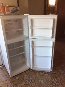 Stirling Frost Free Fridge (excellent condition) Canterbury Canterbury Area Preview