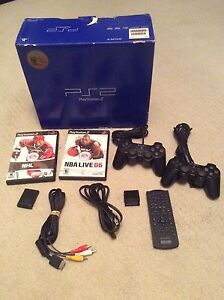 Playstation 2 (PS2) Complete in box + extras