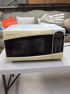 Microwave in good condition Corio Geelong City Preview