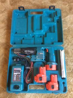 Makita collated 12volt screw gun x3 battery's FORSALE Werribee Wyndham Area Preview