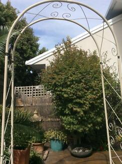 Wedding/garden arch in fair condition
