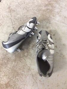 Rugby/soccer cleats