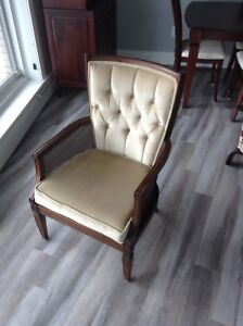 Very nice piece of furniture in PERFECT CONDITION