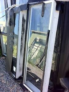 2  X NEW FIXED PANELS OF GLASS  520 ( W ) X 1460 ( H ) $40 EACH Logan Reserve Logan Area Preview