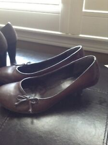 Ladies Size 7 Shoes Brown