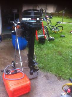 15 HP MECURY OUTBOARD LONG SHAFT OUTBOARD GOING 90S MODEL