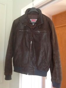 Men's leather bomber style jacket