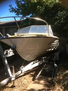 Boat and trailer Scullin Belconnen Area Preview