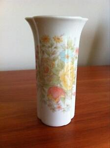 Vintage collectable Japanese ceramic vase. Grovedale Geelong City Preview