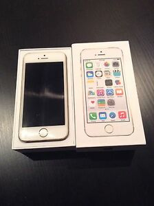 WHITE IPHONE 5S. ROGERS. MINT CONDITION