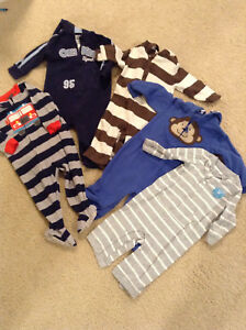 Lot of 5 one piece outfits\pajamas