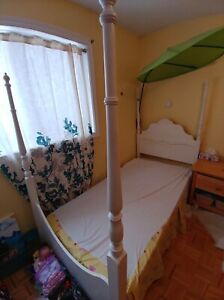 4 Post Twin Bed