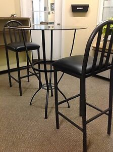 TALL GLASS TABLE AND 2 STOOLS