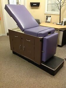 DOCTOR EXAMINATION ADJUSTABLE TABLE