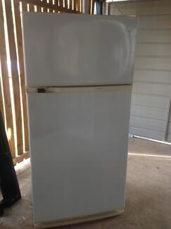 Fridge freezer 500L can deliver