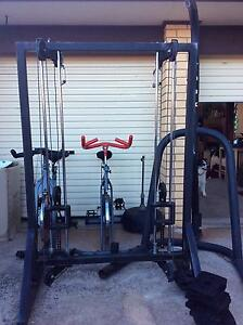 YORK BOXING STAND  plus PULLEY MACHINE Port Noarlunga Morphett Vale Area Preview