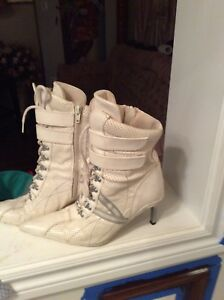 Leather boots, size 7.5