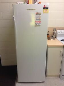 Fisher and Paykel fridge E450R $790 o.n.o Yorkeys Knob Cairns City Preview