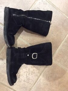 Tall uggs with zipper and pocket