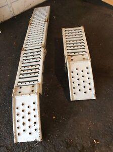 Ramp tailgate folding. 6.5 feet
