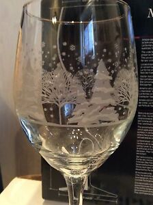 Set of 2 Christmas Wine Glasses