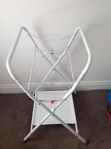 Bassinet, Change Table and Bath with Stand Package Cheltenham Charles Sturt Area Preview