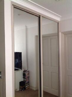 Mirrored wardrobe sliding doors tracks and frame for Sliding glass doors gumtree