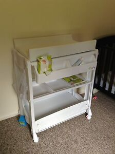 Baby change table and bath Encounter Bay Victor Harbor Area Preview