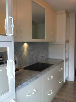 2ND Hand KITCHEN - Galley Style incl Dishwasher, Fridge, Ovens McMahons Point North Sydney Area Preview